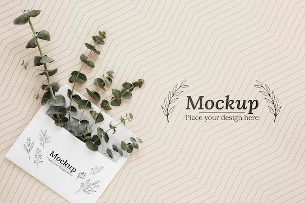 封筒のトップビュー植物 無料 Psd