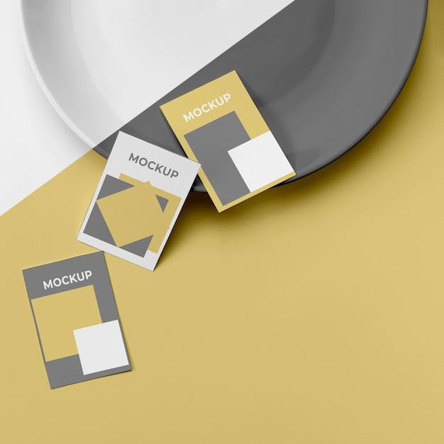 상위 뷰 포스터 모형 및 접시 무료 PSD 파일