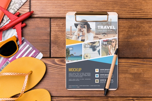 Top view travel mock-up with flip flops Free Psd