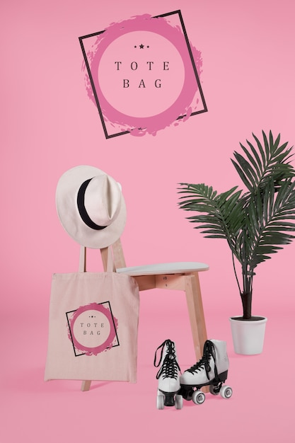 Tote bacg on chair with mock-up Free Psd