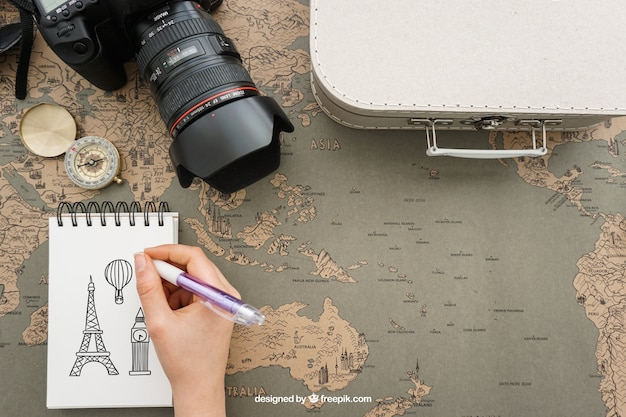 Travel elements with notepad Free Psd