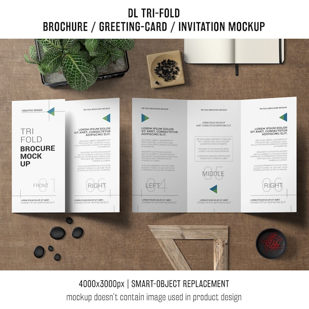 Trifold brochure or invitation mockup still life concept Free Psd