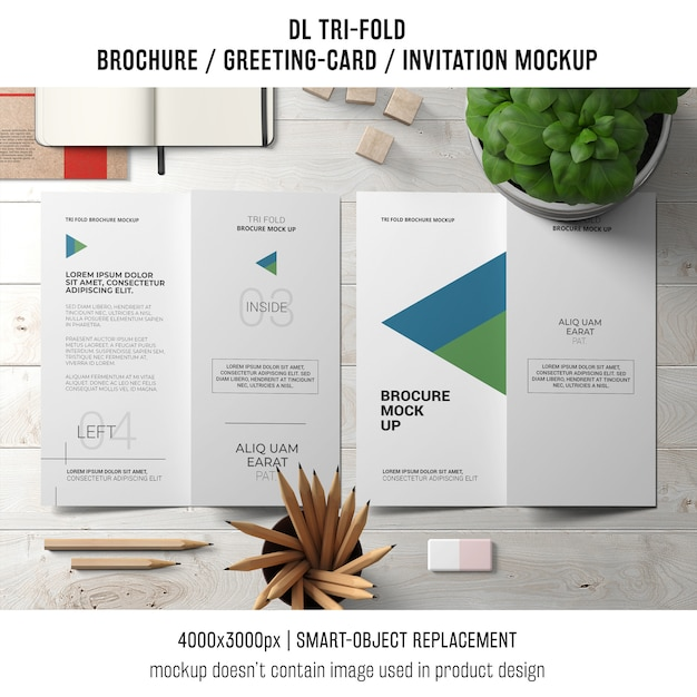 Trifold brochure or invitation mockup with still life concept Free Psd