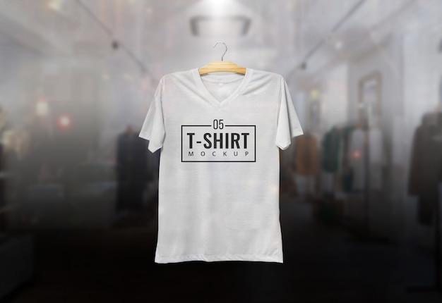 Tshirt mcokup hanging Premium Psd