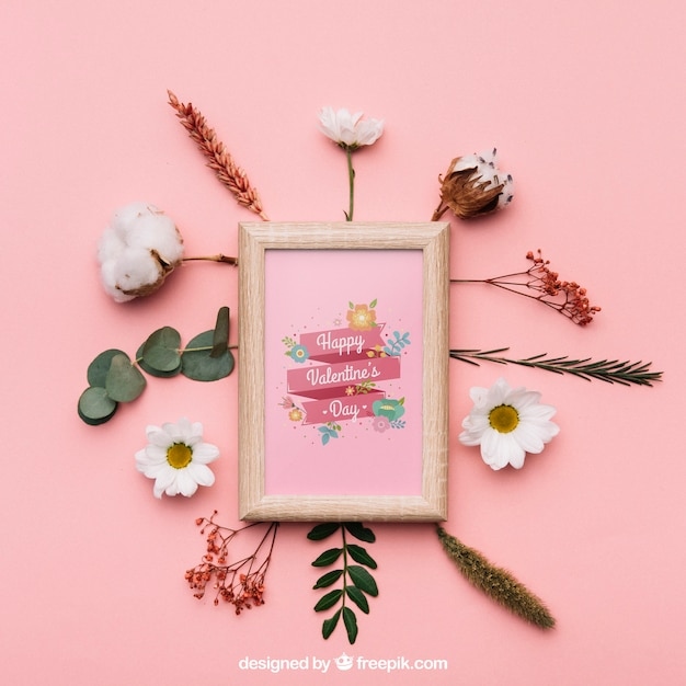 Valentine frame mockup Free Psd
