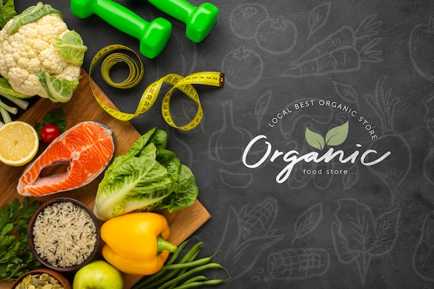 Veggies doodle background with healthy food and dumbbells Free Psd