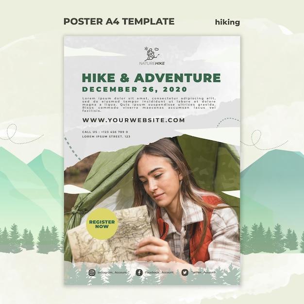 Modello di poster verticale per escursioni nella natura Psd Gratuite
