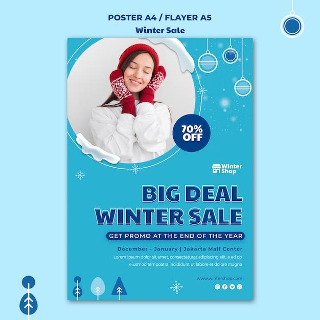 Modello di poster verticale per la vendita invernale Psd Gratuite