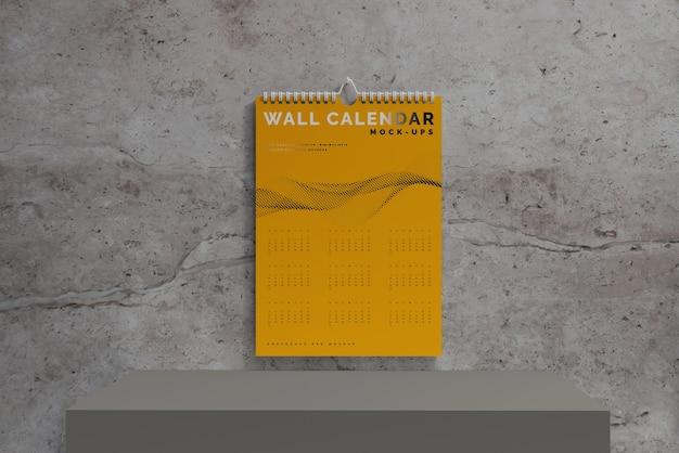 Вертикальный настенный календарь, макет Бесплатные Psd