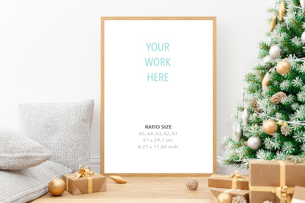 Vertical wooden poster photo frame mockup and christmas decoration Premium Psd