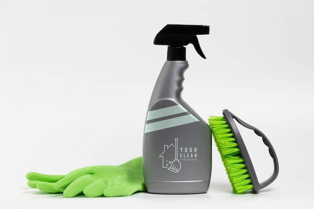 Wash products in spray bottle and accessories Free Psd