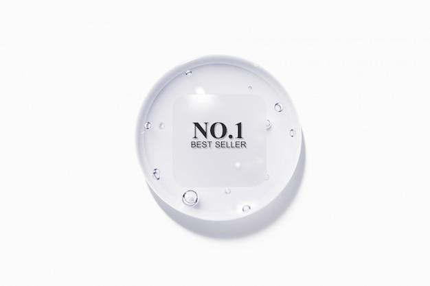 Капля воды с пластиковой облачной шероховатой этикеткой Premium Psd