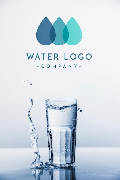 Copyspaceの水ロゴモックアップ 無料 Psd