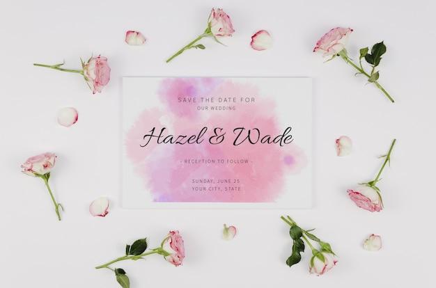 水彩は、日付の招待状とバラのつぼみを保存します 無料 Psd