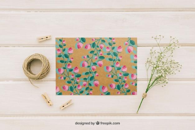 Свадебная открытка, цветы, шнур и прищепки Бесплатные Psd