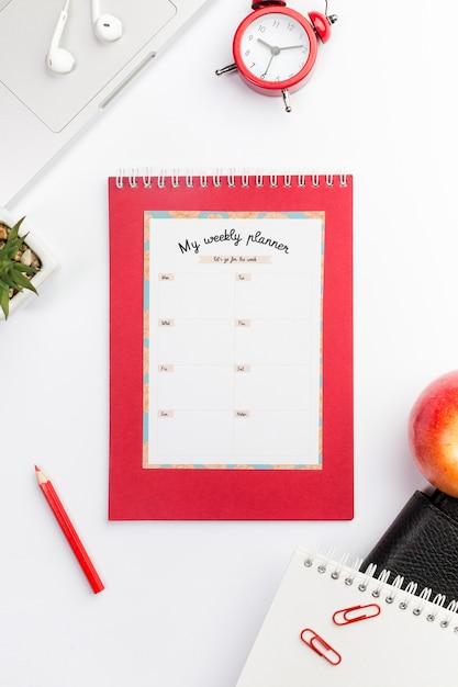 Concetto di desktop planner settimanale Psd Gratuite