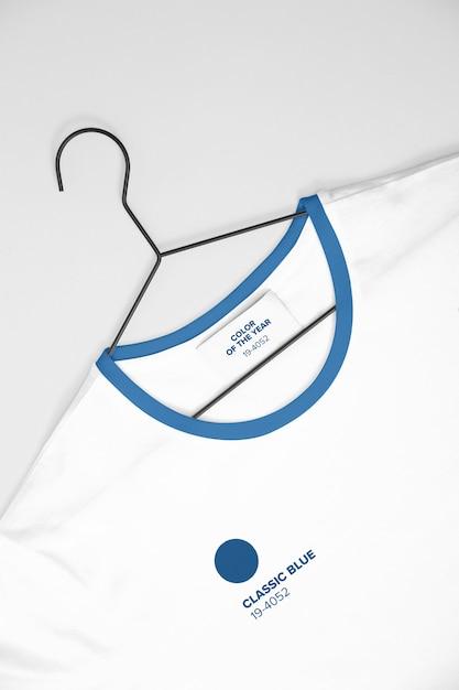 White t-shirt on hanger mockup Premium Psd
