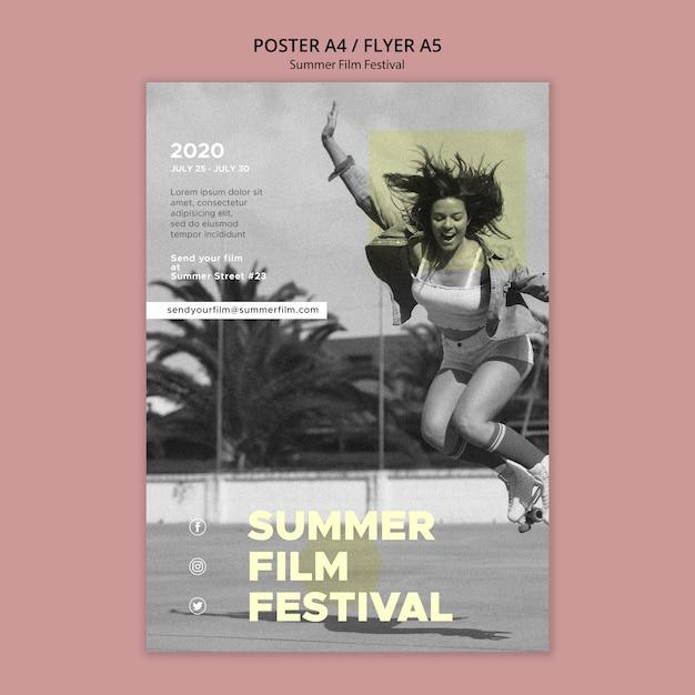 女性ジャンプ夏映画祭ポスターテンプレート 無料 Psd