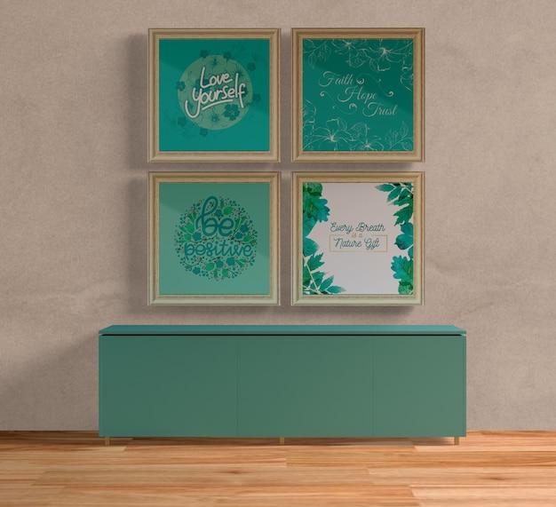 Деревянные рамы для картин над синим столом Бесплатные Psd