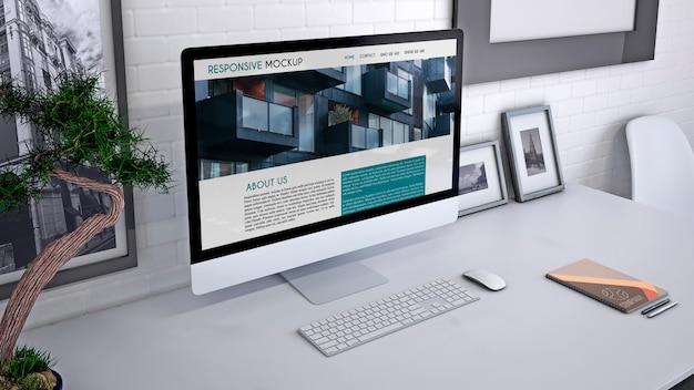 Workspace mockup con computer Psd Gratuite
