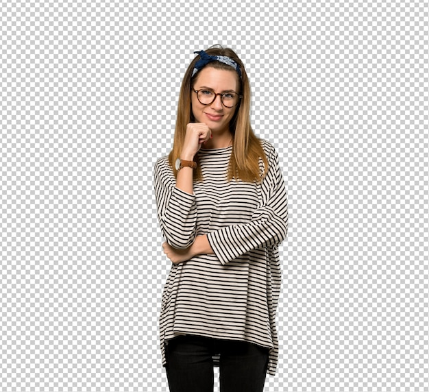 Young woman with headscarf with glasses and smiling Premium Psd