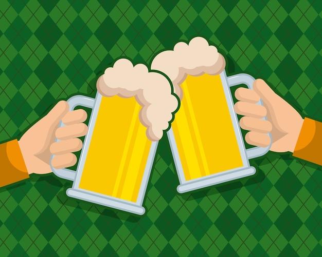 2つの手がビールグラスの飲み物のお祝いを保持 Premiumベクター