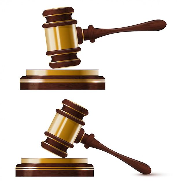 裁判官の2つの木製の金のハンマーのセット Premiumベクター