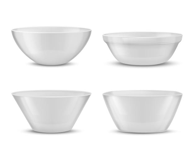 3d現実的な磁器食器、異なる食べ物のための白いガラス料理。 無料ベクター