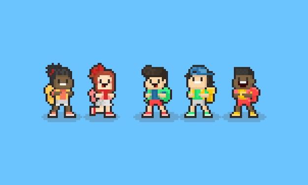 バックパックとピクセル漫画子供キャラクター。学校のコンセプトに戻る8ビット Premiumベクター