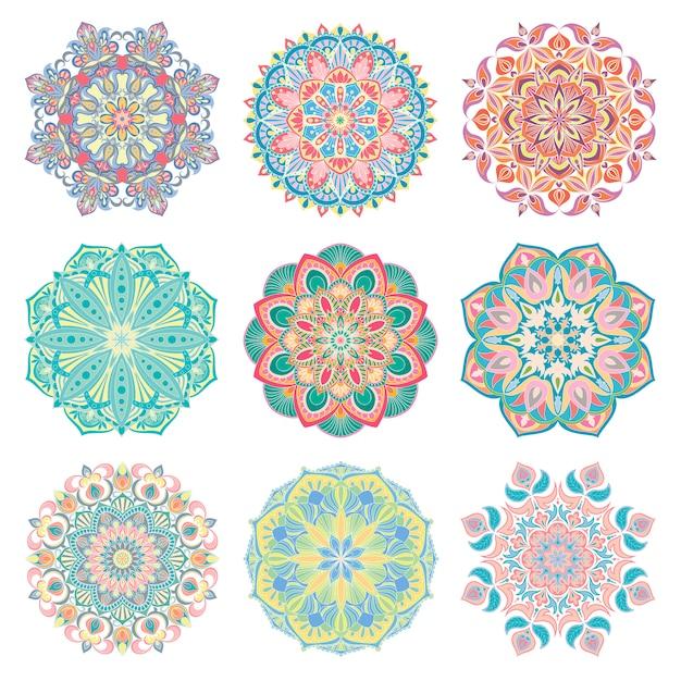 9手描きのカラフルなベクトルのアラビア語の曼荼羅のセットです。丸い抽象的な民族東洋飾り。 Premiumベクター