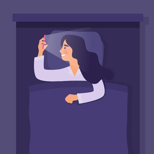 Спящая девушка ночью с помощью смартфона, девушка с телефонной зависимостью в социальных сетях Premium векторы