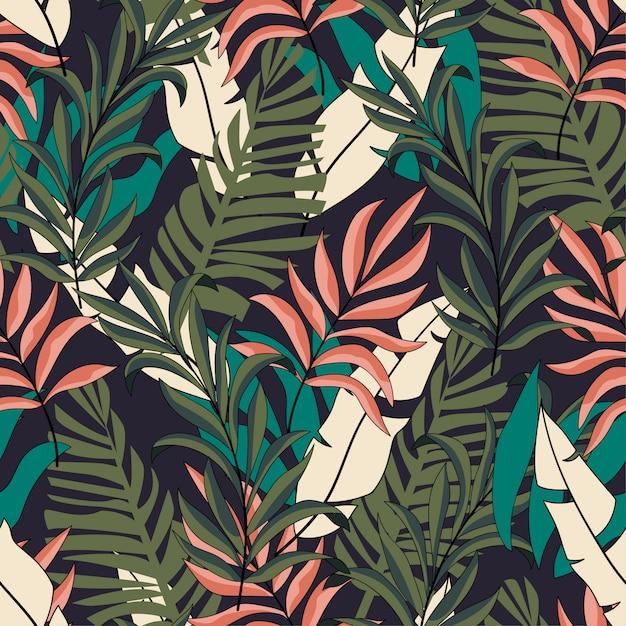 Модные тропические бесшовные модели с ярко-розовыми и зелеными листьями Premium векторы
