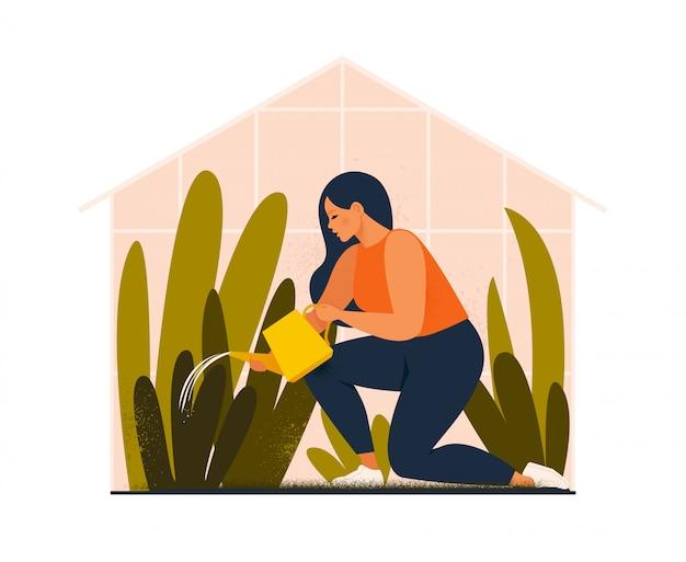 素敵な若い女性や庭師が家の庭の世話をして、温室で育つ観葉植物に水をまきます。フラット漫画イラスト。 Premiumベクター