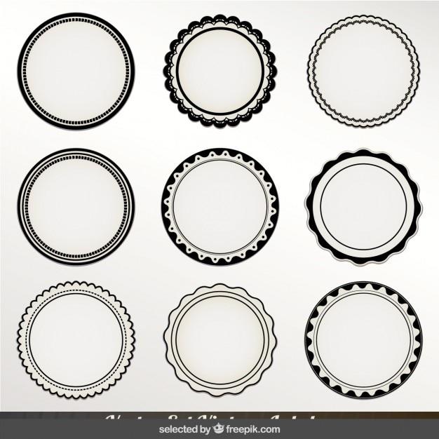Монохромные круговые этикетки Бесплатные векторы