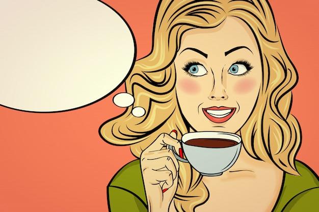 コーヒーカップを持つセクシーなブロンドのポップアートの女性。漫画の広告ポスター。ベクター Premiumベクター