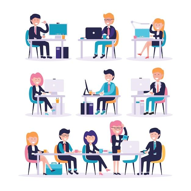 Набор мужского и женского офисного работника, сидя перед своим компьютером Premium векторы