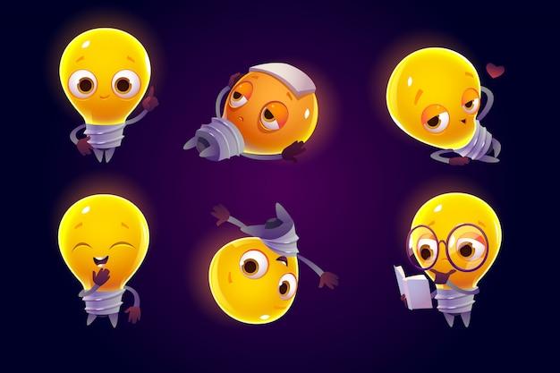 Симпатичный персонаж лампочки в разных позах Бесплатные векторы