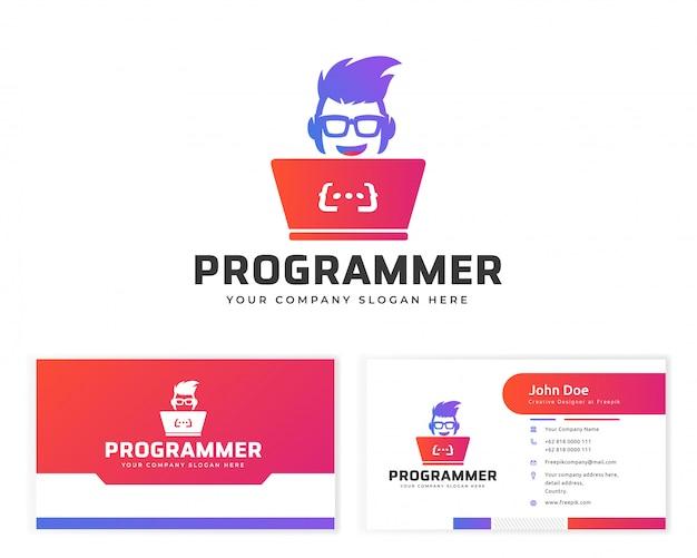 Логотип программиста с визитной карточкой канцелярских товаров Premium векторы