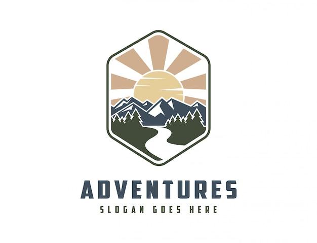 Классический горный пейзаж логотип Premium векторы