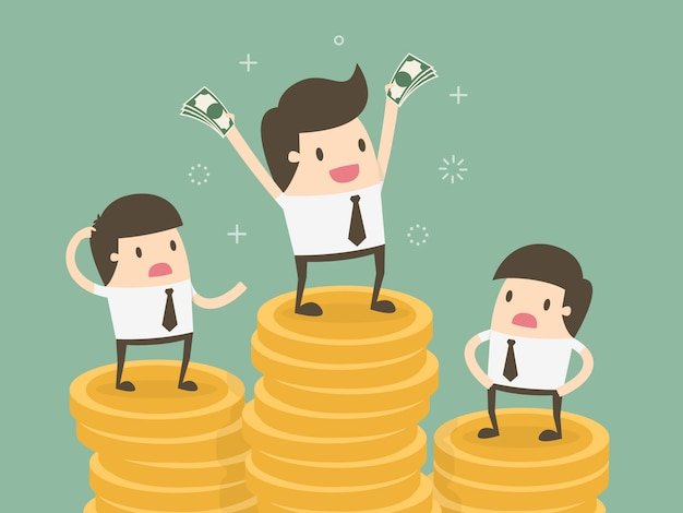 Бизнесмены за груды монет Бесплатные векторы