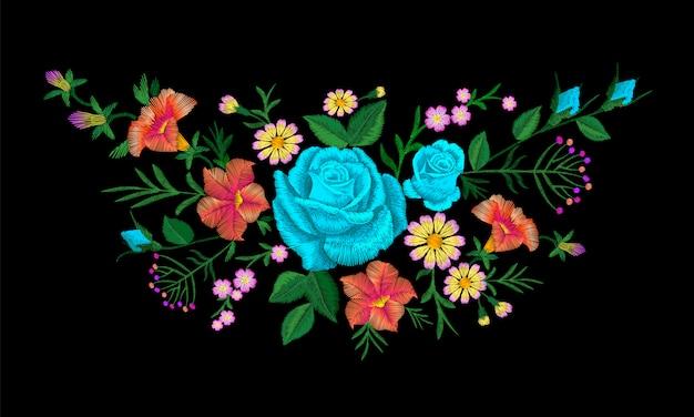 Цветочная композиция из розовых роз с вышивкой. урожай викторианский цветочный орнамент моды текстильное украшение. векторная иллюстрация текстуры стежка Premium векторы