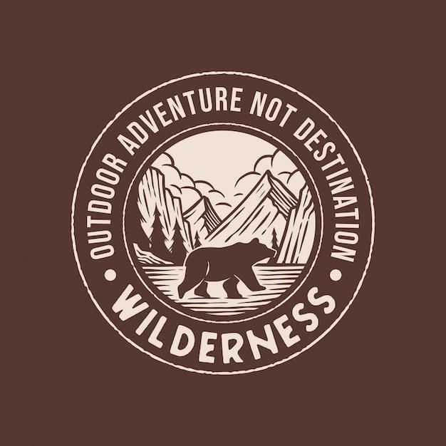 荒野の冒険のロゴ Premiumベクター
