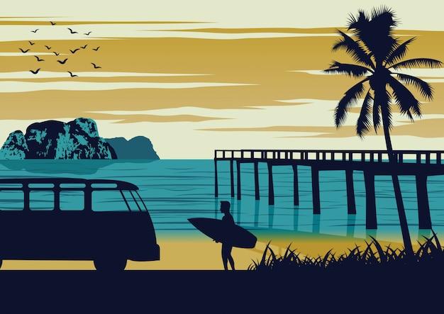 夏の海の自然シーン、男はビーチと木製のポート、ビンテージカラーデザインの近くにサーフボードを保持 Premiumベクター