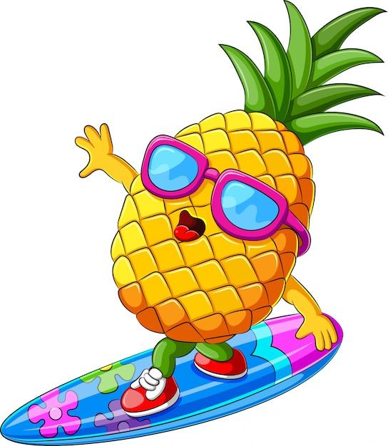 Забавный ананасный мультяшный серфинг Premium векторы