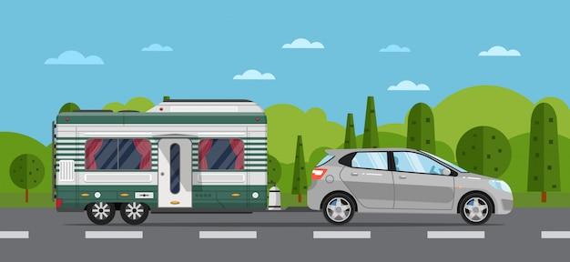 ハッチバック車とトレーラーの道路旅行チラシ Premiumベクター
