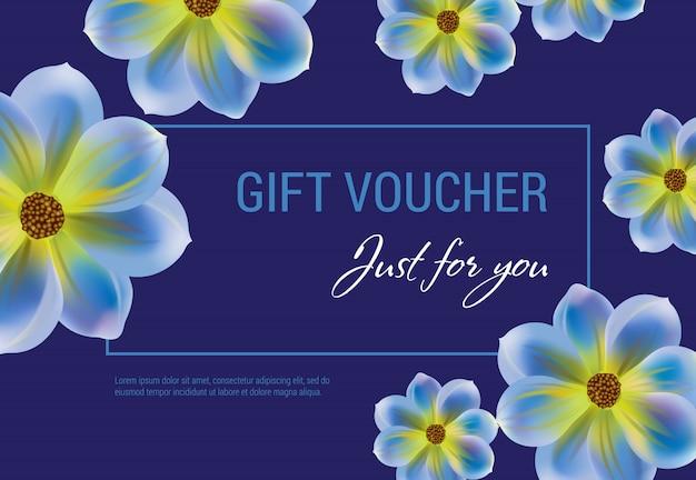 ちょうどあなたのために花と暗い青色の背景にフレームとギフトバウチャー。 無料ベクター