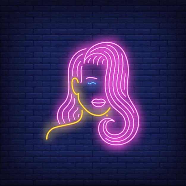 ピンクの髪のネオンサインを持つ少女 無料ベクター
