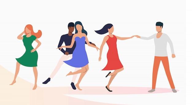 Люди танцуют сальсу на вечеринке Бесплатные векторы