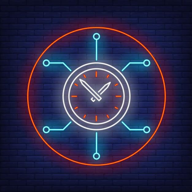 Часы с платой неоновая вывеска Бесплатные векторы