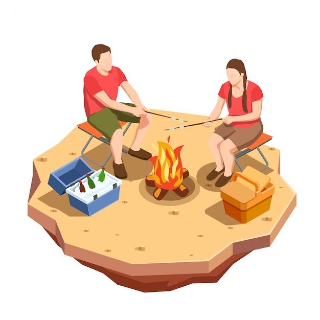 Кемпинг походная композиция изометрии с видом на пикник на свежем воздухе с костром и парой Бесплатные векторы